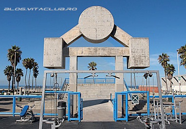 muscle beach gym california gold's gym