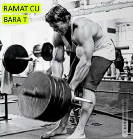 Arnold in timp ce executa exercitiul de ramat cu bara t pentru spate